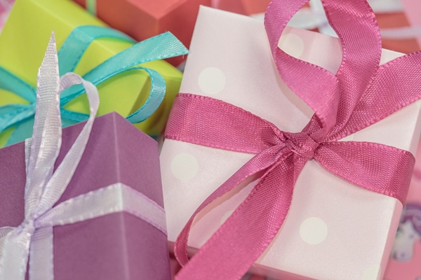 How to Choose the Best Christmas Gifts for Mom