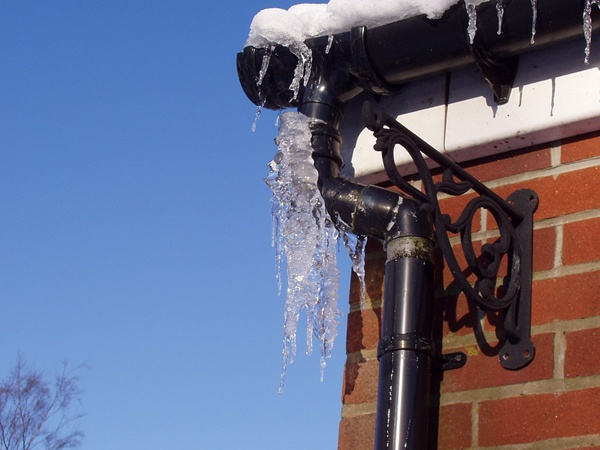 How to prevent Frozen pipes disaster