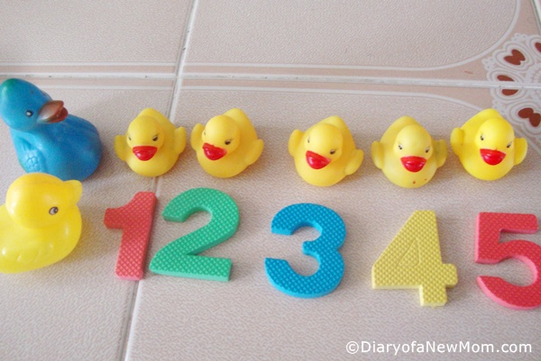Toddler Play Time : Five Little Ducks and Water Play
