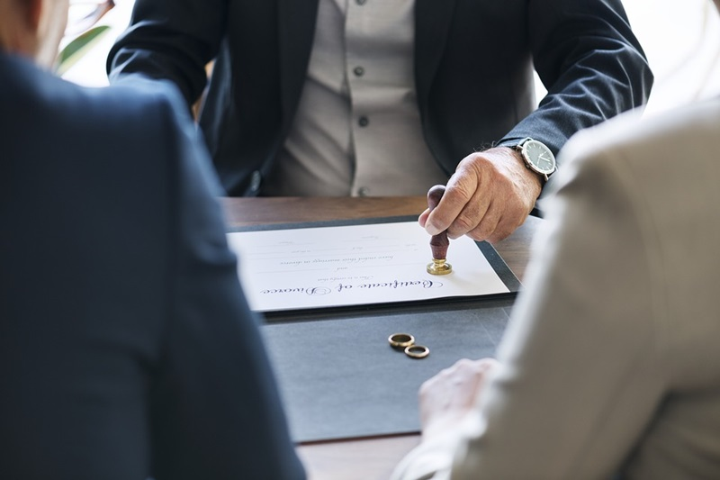 Tips to Finding a Lawyer