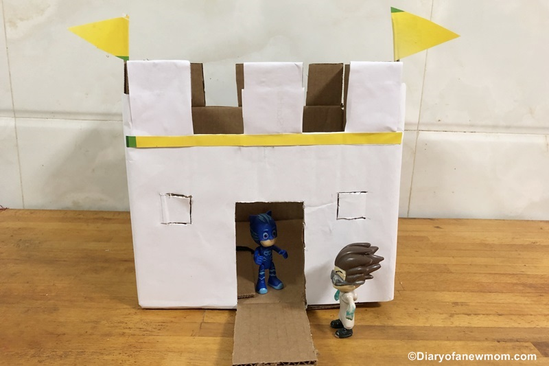 Playing with Cardboard Castles